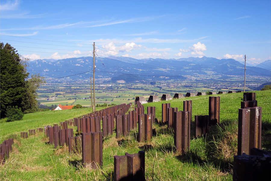 Der Schweizer Igel - Geschichtsreise zu den Befestigungsanlagen in den Alpen