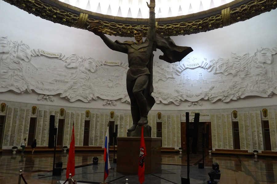 Geschichtsreise nach Moskau, Panzermuseum Kubinka, Monino und Borodino